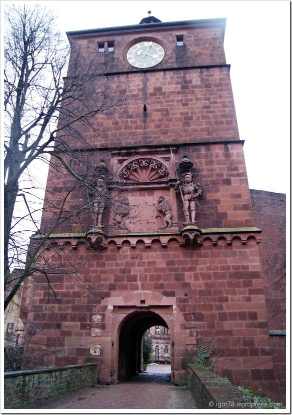 Вход во внутренний двор замка Гейдельберга (Heidelberg)