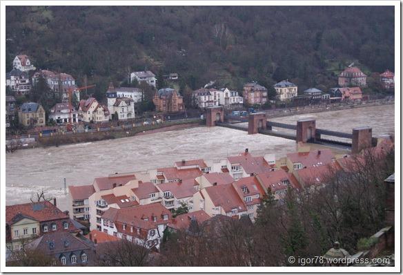 Реки Неккар Гейдельберга (Heidelberg)