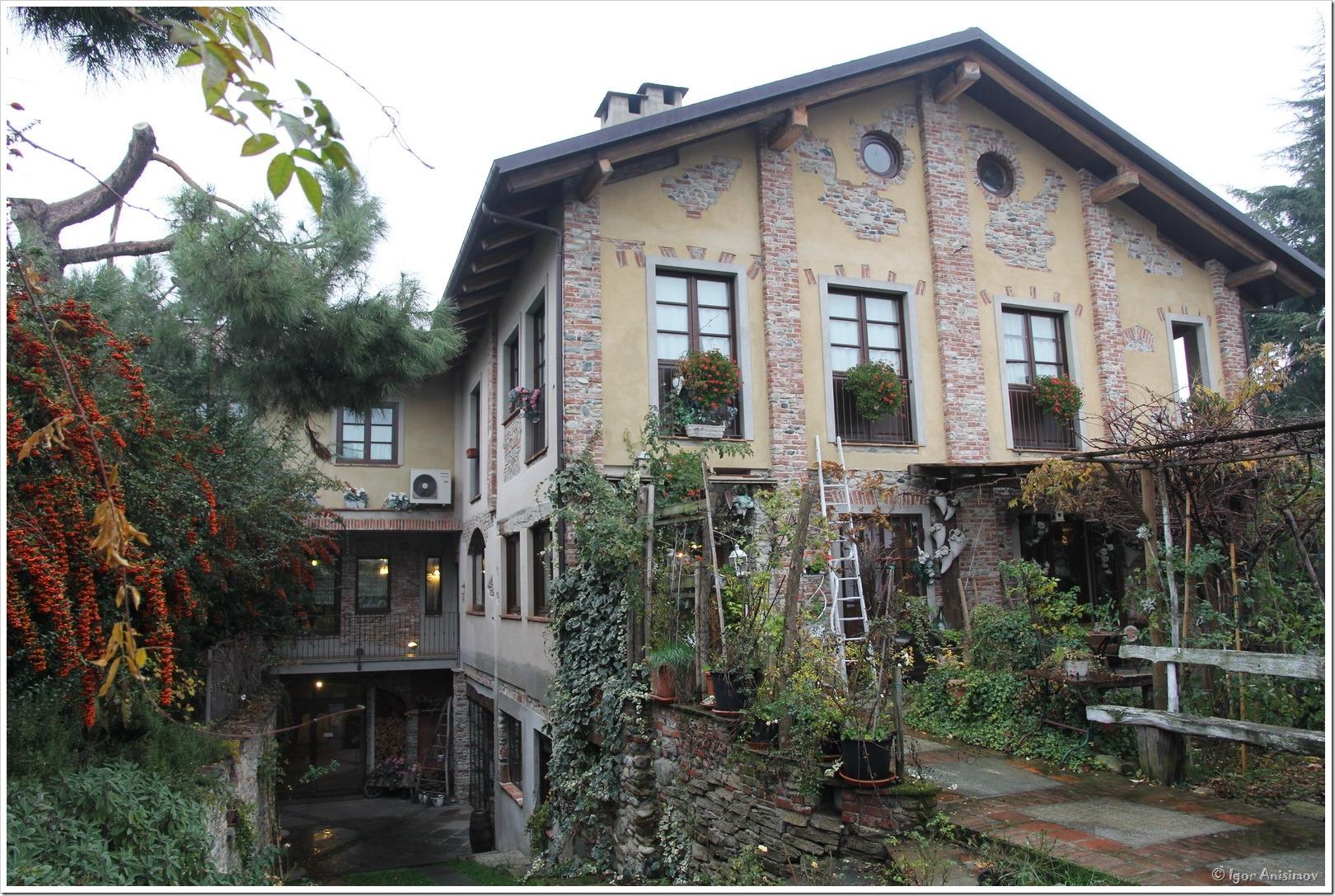 Италия 2016. Отель La Via' в Cavour и рынок в Pinerolo